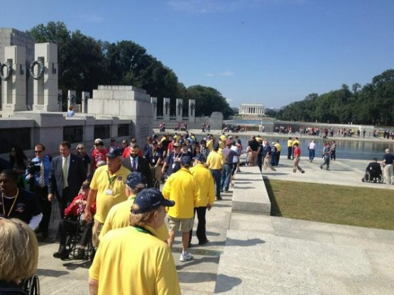 Iowa veterans at WWII memorial (Photo by Leo Shane III. Used with permission. 2013 Stars and Stripes.)